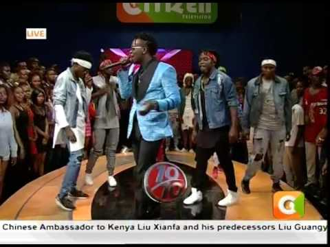 'Pose'with the digirii....Willy Paul Live #10Over10