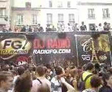 Technoparade 2007 char fg