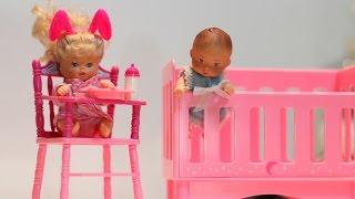 Brincando de Barbie. Por Bia Lobo