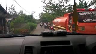 MANTAP!!! situasi di dalam kabin mobil pemadam kebakaran menuju TKP