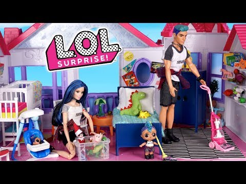 Barbie LOL Punk Boi  Family  Cleaning  Morning Routine & Decorating for Holidays