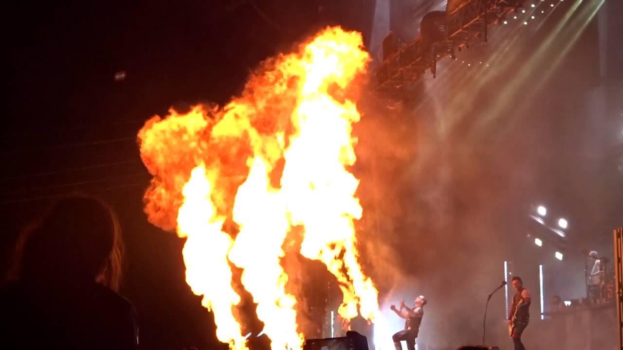 Download Rammstein - Du Hast - live download festival à Paris  le 12.06.2016