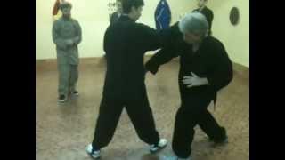Урок УШУ 武術  в школе боевых искусств. http://www.chuan-shu.ru/