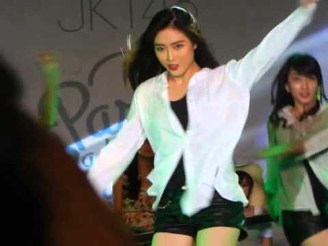 [Full Version] JKT48 Team KIII dance performance at Pareo Wa Emerald