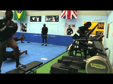 Muay Thai Training With World Champion Daniel Sam