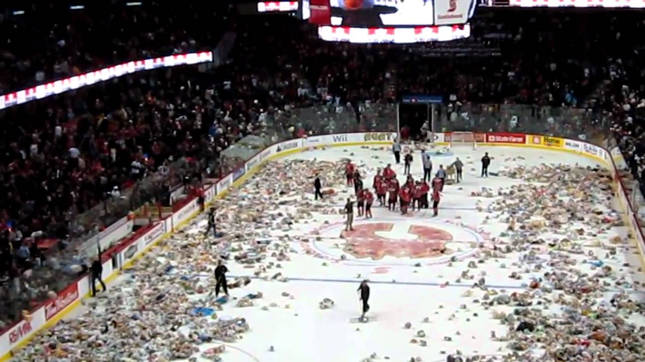2010 Calgary Hitmen Teddy Bear Toss - Hitmen vs. Rebels (Original) - YouTube 177deaf8b5c
