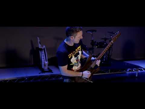 Roland AX-Edge - Keytar vs Guitar! (Duel)