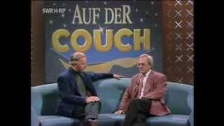 Dieter Hildebrandt auf der Couch