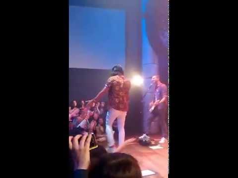 MAGIC! - Girls Just Want To Have Fun [Nasri Atweh Dancing] Santiago, Chile