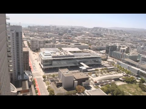 [24/7 Live Cam] San Francisco - Moscone Center WebCam - Yerba Buena Gardens