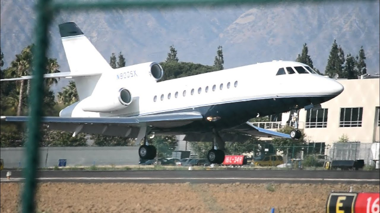 HD Taylor Swifts Dassault Falcon 900 N898TS Landing at San