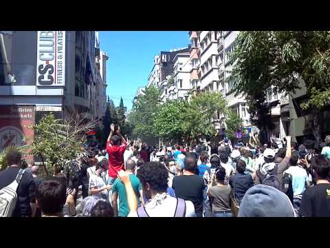 Protesters in Cihangir Face off with cops