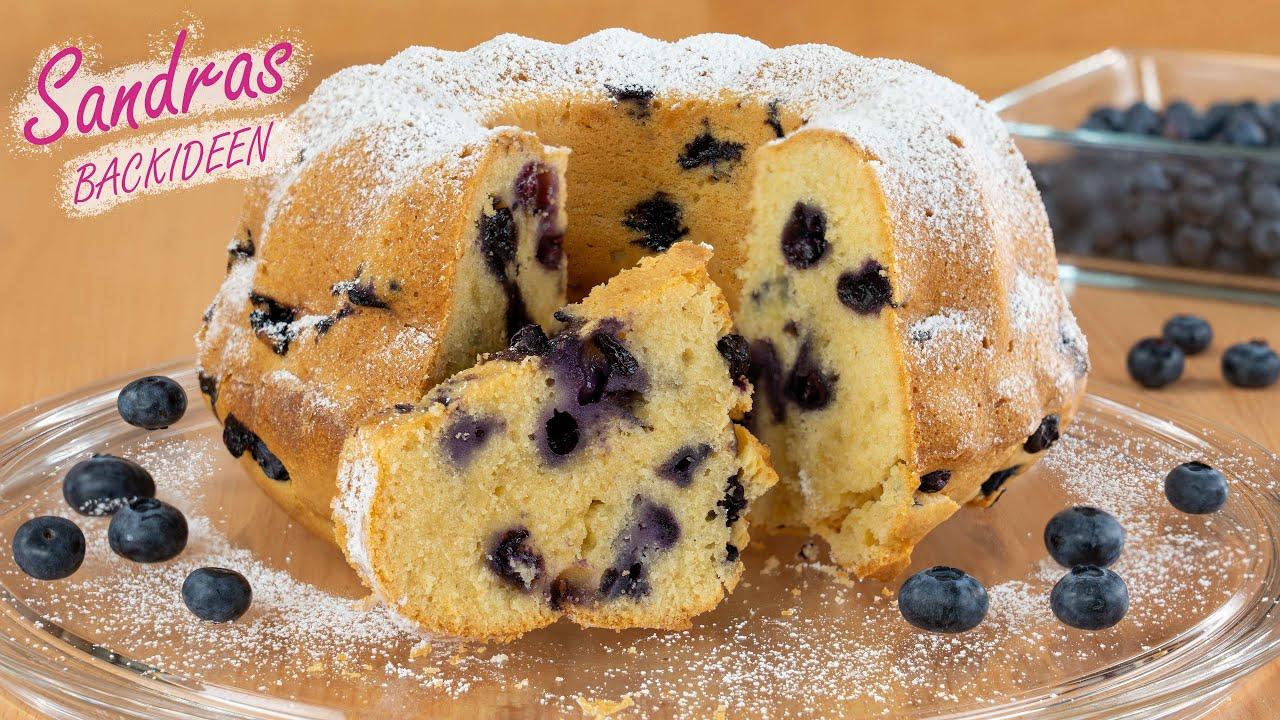 Saftiger Gugelhupf mit Blaubeeren - lecker und fruchtig / Rührkuchen mit griechischem Joghurt
