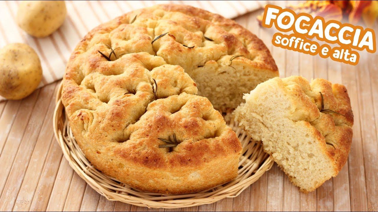 Ricetta Focaccia Morbida Semplice.Focaccia Soffice Con Patate Ricetta Facile Easy Focaccia Recipe Youtube