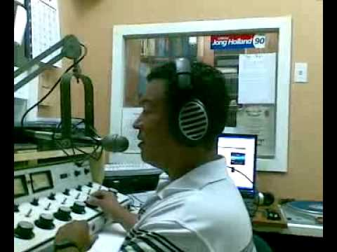Gerardus (Frika) Carolie on the radio Hoyer Curacao 27-11-2009.mp4