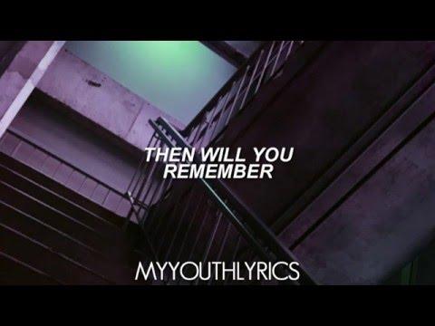 Panic! At The Disco - House Of Memories (Lyrics Video) HD streaming vf