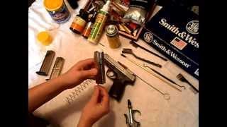 Video Smith & Wesson SD9  (Breakdown & Clean) download MP3, 3GP, MP4, WEBM, AVI, FLV Januari 2018