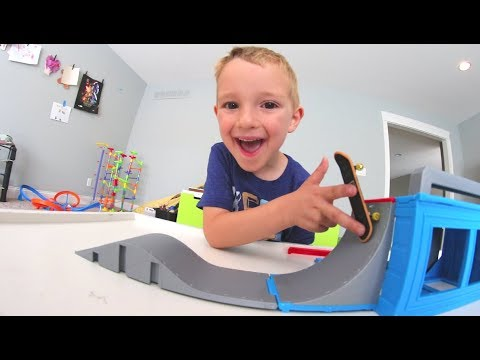 Thumbnail: FATHER SON MINI SKATEPARK!