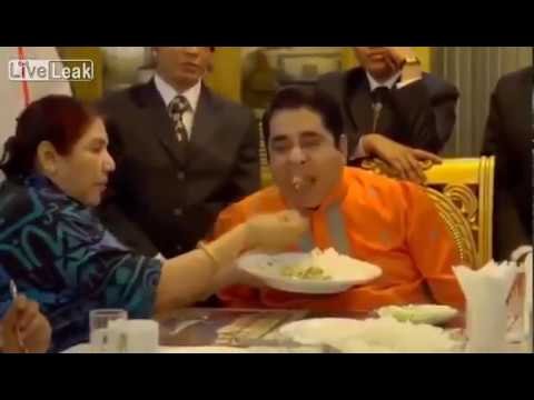 Prince Musa Bin Shamsher The Richest Man in Bangladesh he never eat by his hand
