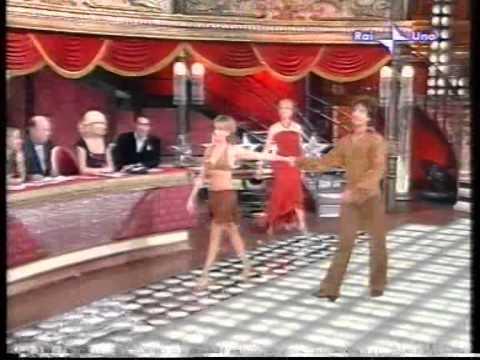 """AMANDA LEAR """"Ballando con le stelle"""""""