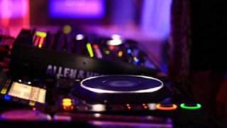 Play Yes Maam (All Nite Long) (Kasper Bjorke Remix)