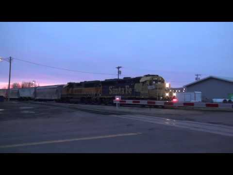 ATSF GP40X 3037 in Superior, Wisconsin 4/9/2016