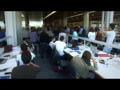 El Coro de la UPV sorprende en la Biblioteca