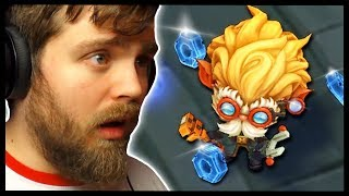 MY FIRST TIME PLAYING A MOBA (League Of Legends)