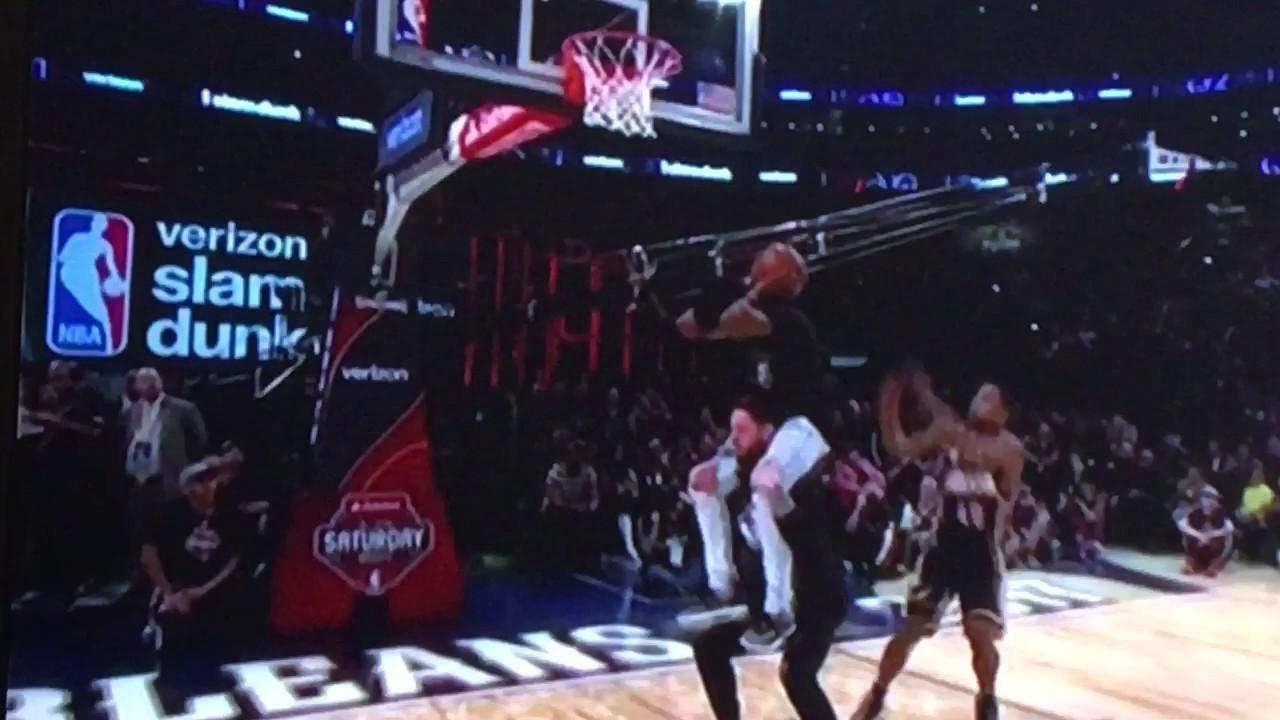 glenn-robinson-goes-for-crazy-dunk