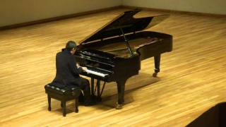 Gabriel San Antonio plays Bach, Schumann and Armengol.