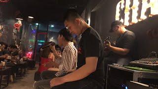 Tuyệt đình giọng ca đường phố Fame Chí Thành cover bài hit Tuý Âm bằng tông nữ hay hơn bản gốc