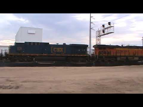 BNSF / CSX General Freight braking up there train Tulsa, OK 8/25/17 vid 9 of 12