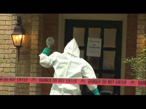 Ebola: 'Heroic' Nurse 1st to Contract the Virus in US