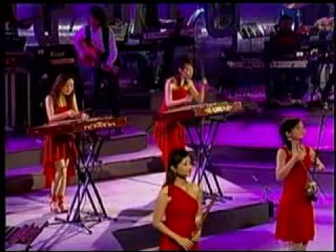 12 Girls Band - Handels Music for Royal Fireworks