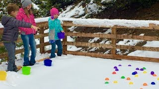 Learn English Colors! Rainbow Snow Ball Toss with Sign Post Kids!