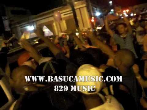 LA MODA TIME EL BOBO QUE SE ARMO DESPUES DE LA PRESENTACION www.basucamusic.com