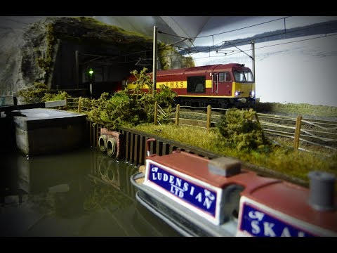 Building A Model Railway – Scenics (Creating Rock Faces – Painting (Plus some other scenic bits!))