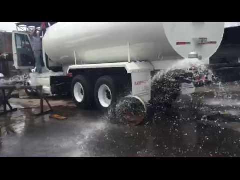 Loresa pipa con sistema de riego por aspersion youtube - Aspersores de riego ...