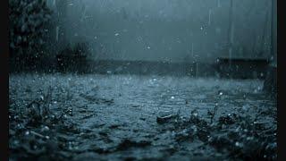А по тёмным улицам гуляет дождь