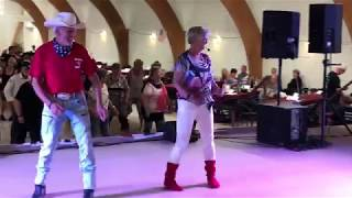 BORN TO LOVE - Line Dance
