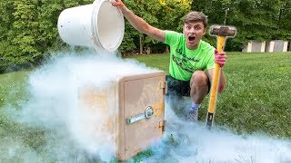 FREEZING ABANDONED SAFE!! (LIQUID NITROGEN)
