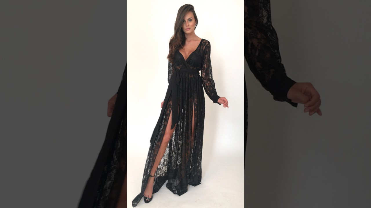 5ca974858 Vestido Adriana longo todo em renda transparente com fendas frontais  Powerlook - preto