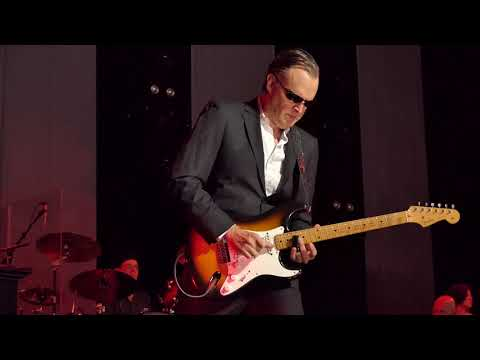Joe Bonamassa - King Bee Shakedown - 12/1/18 Queen Elizabeth Theatre - Vancouver, BC