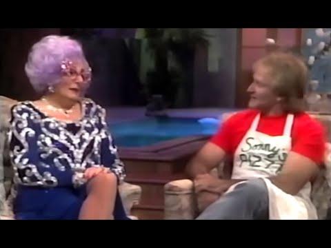 Robin Williams on Dame Edna's Hollywood