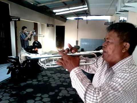 Video belajar bermain trompet lagu perjuangan untuk marching band dan drumband