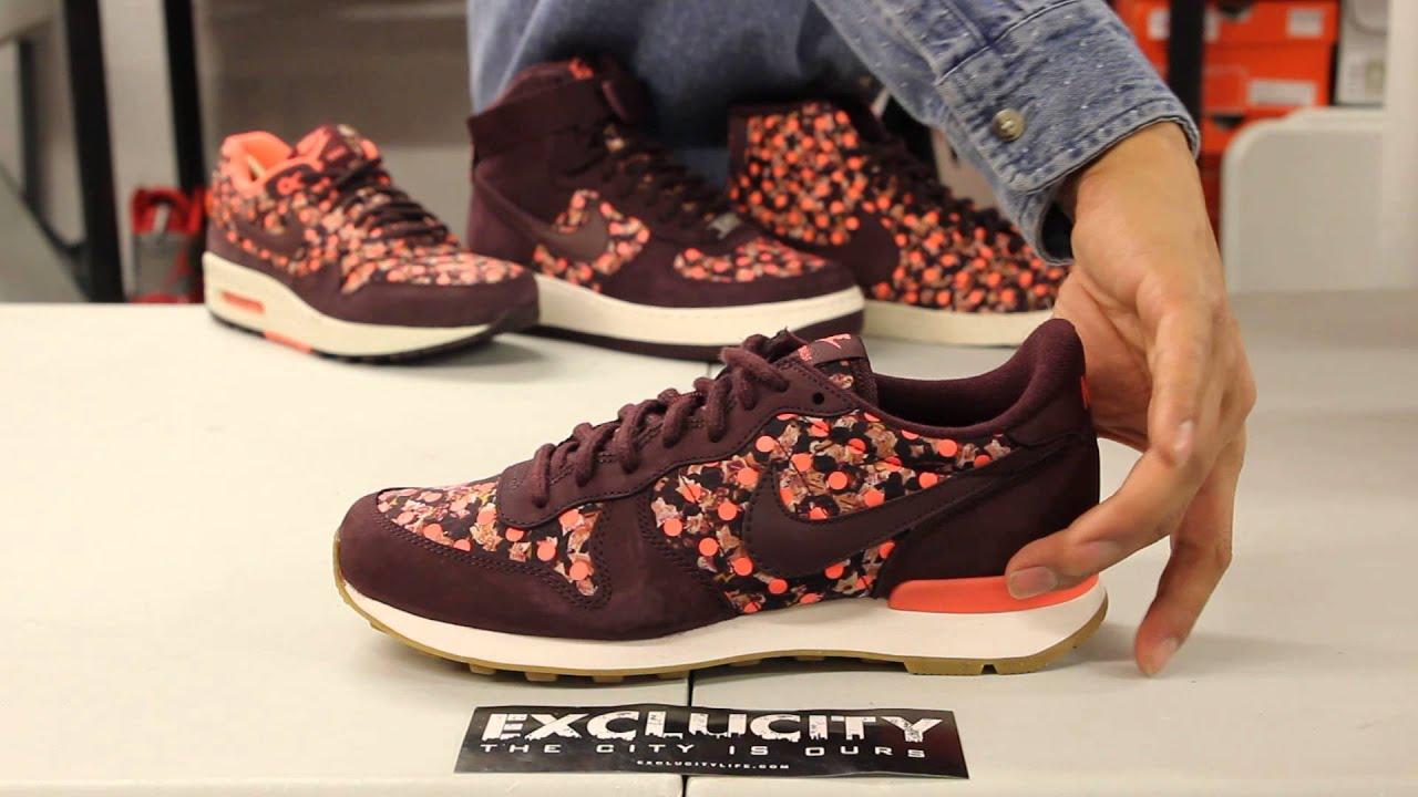 Ladies Nike Internationalist QS