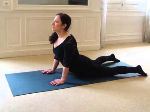 echauffement yoga facile/easy yoga warmup  youtube
