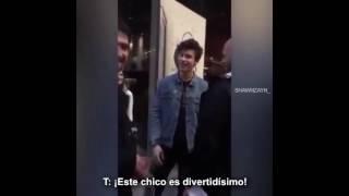 Shawn Mendes discute con el hermano de una fan por un malentendido (español)
