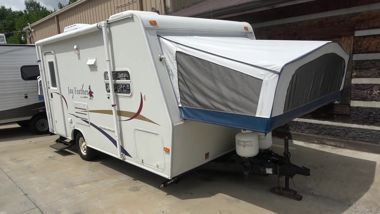 SOLD!! 2005 Jayco Jayfeather 18F Hybrid / Expandable. Sleeps 6, Clean, 2600 Pounds, $6,995