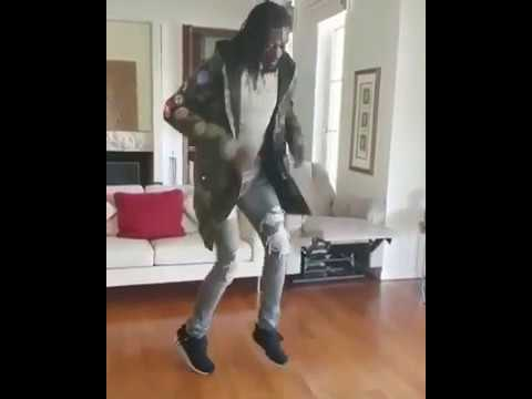 Emmanuel Adebayor Dances Shaku Shaku To CDQs Song